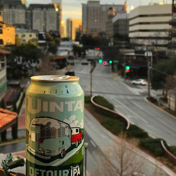 Foto diambil di Uptown Dallas oleh Dustin F. pada 1/25/2017