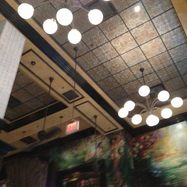 2/3/2013에 Kelsey M.님이 The Misfit Restaurant + Bar에서 찍은 사진