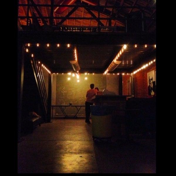 4/25/2013にKelsey M.がBootleg Bar & Theaterで撮った写真
