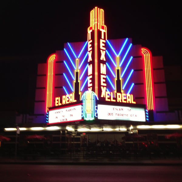 Снимок сделан в El Real Tex-Mex Cafe пользователем Forrest H. 4/13/2013