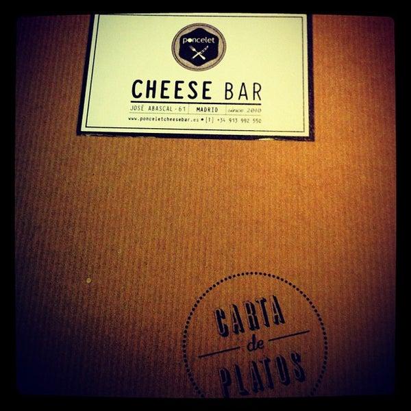 Foto scattata a Poncelet Cheese Bar da María M. il 9/28/2012