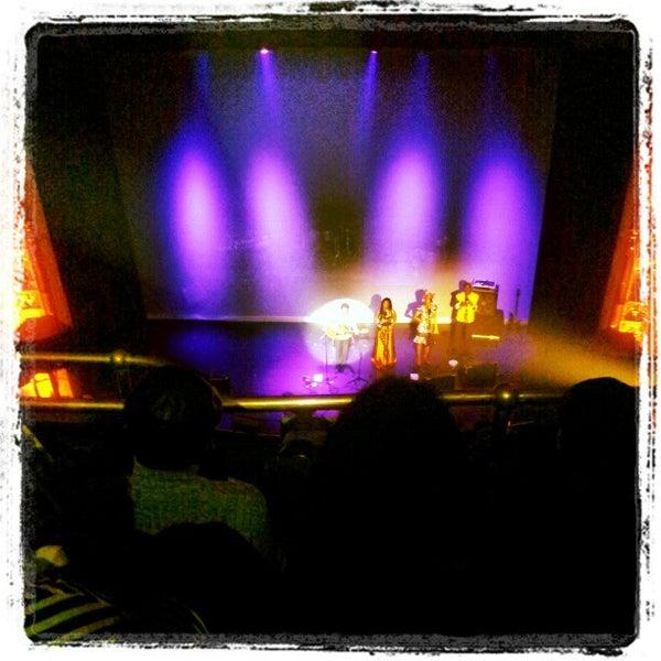 3/17/2013 tarihinde Srikala R.ziyaretçi tarafından Apollo Theater'de çekilen fotoğraf