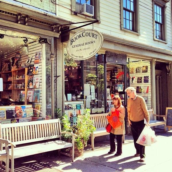 Das Foto wurde bei BookCourt von Simon C. am 10/11/2012 aufgenommen