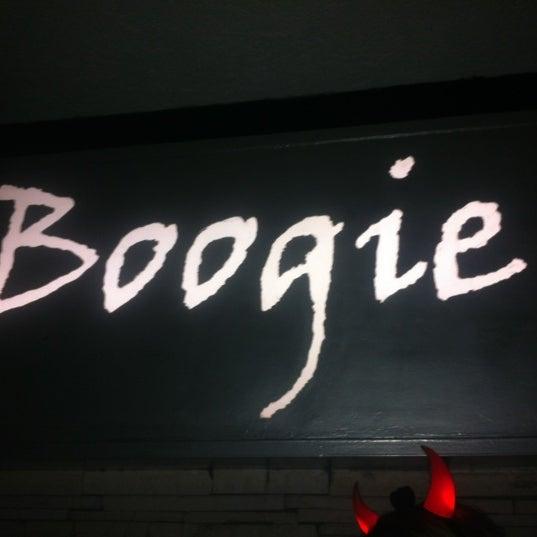 รูปภาพถ่ายที่ Boogie Disco โดย Karina C. เมื่อ 11/15/2012