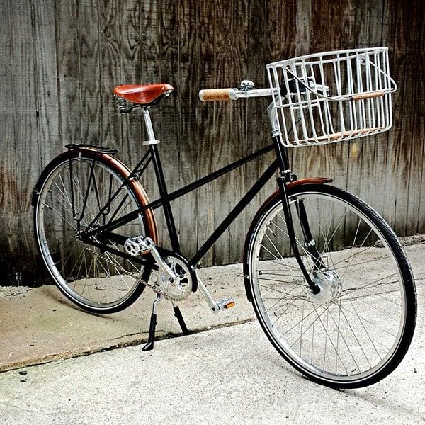 รูปภาพถ่ายที่ Heritage Bicycles โดย Heritage B. เมื่อ 8/9/2013