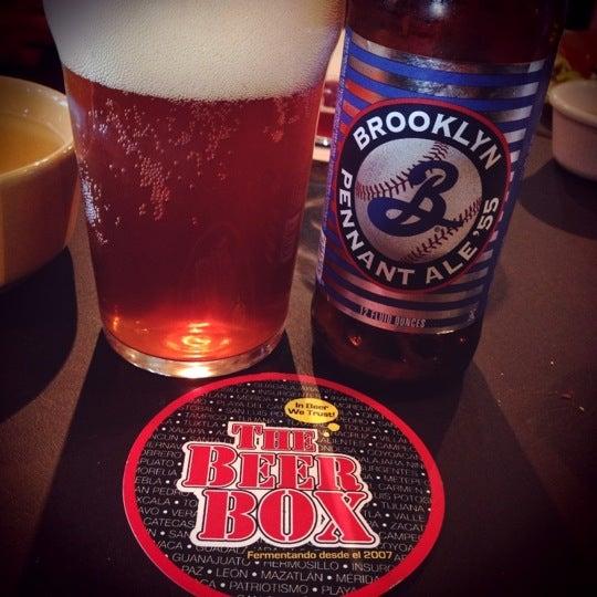 Foto tomada en The Beer Box por BeerBox STAFF el 3/1/2013