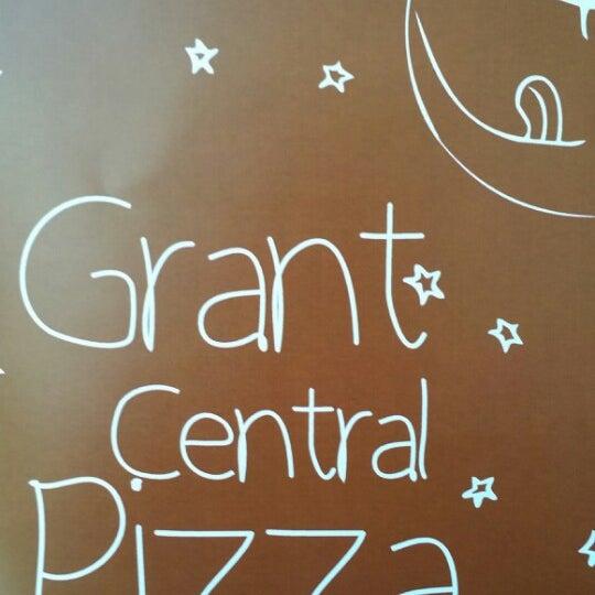 5/25/2014にBylli D.がGrant Central Pizza & Pastaで撮った写真