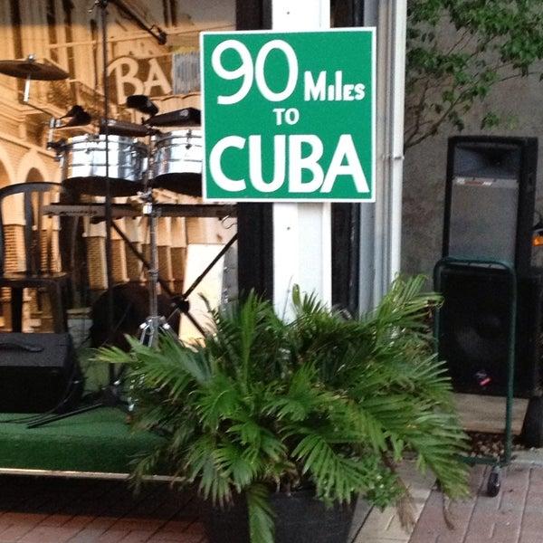 Foto diambil di El Meson de Pepe Restaurant & Bar oleh Eva S. pada 7/6/2013