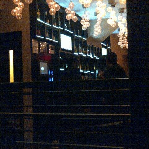 9/23/2012にD.がCove Loungeで撮った写真