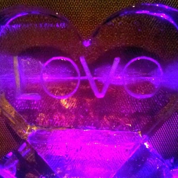 รูปภาพถ่ายที่ Love โดย DANIEL V. เมื่อ 2/16/2013