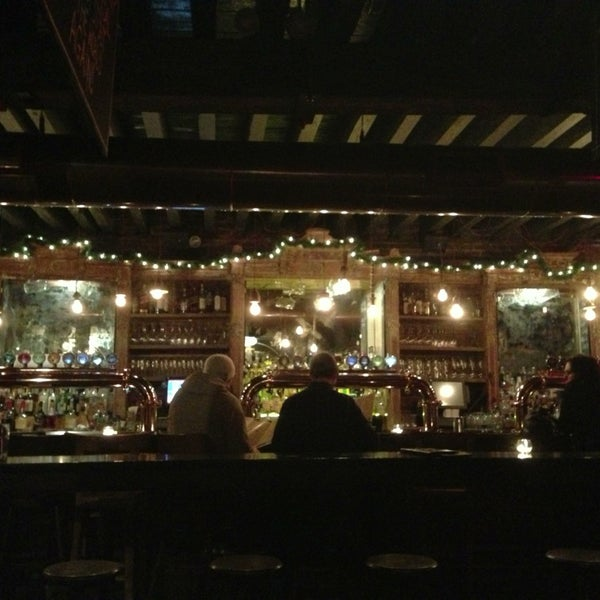 Photo prise au The Porterhouse at Fraunces Tavern par James K. le12/23/2012