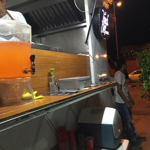 Das Foto wurde bei Truck Chef Urban Food von Alejandro P. am 5/31/2016 aufgenommen