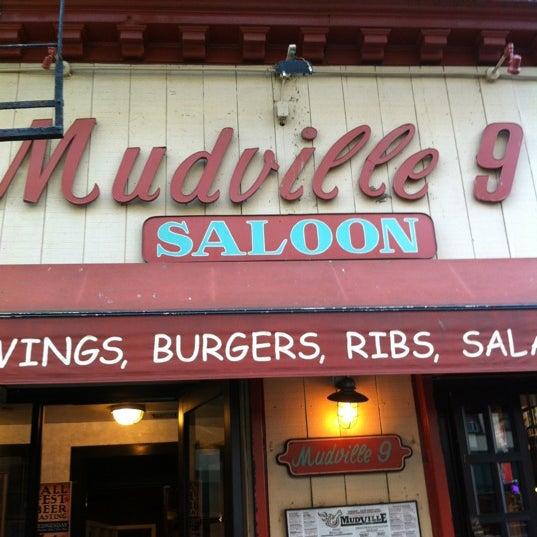 Photo prise au Mudville Restaurant & Tap House par Joe G. le10/20/2012