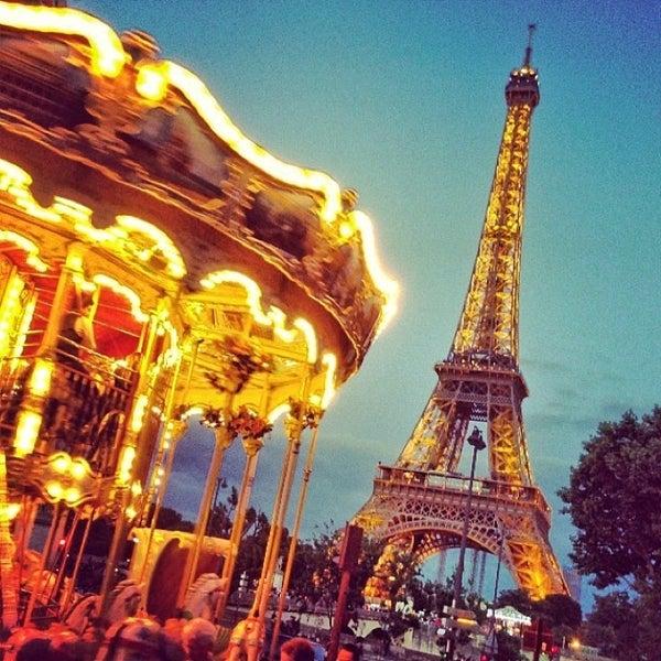 Photo prise au Place du Trocadéro par Nicholas O. le6/22/2013