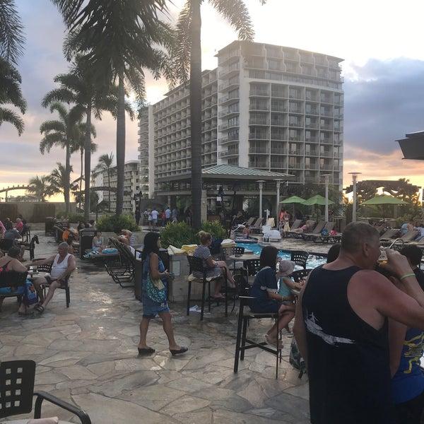 Photos At Swimming Pool Embassy Suites Waikiki Beach Walk