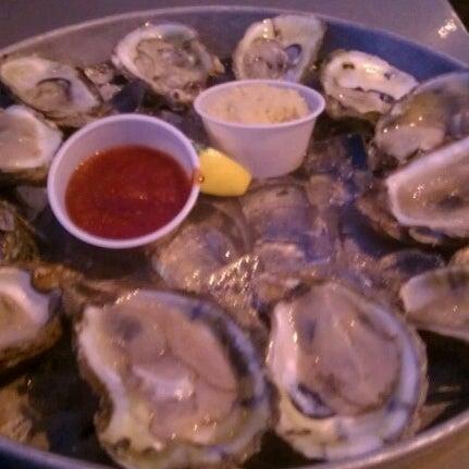 Foto tirada no(a) The Big Ketch Saltwater Grill por bill c. em 11/2/2012