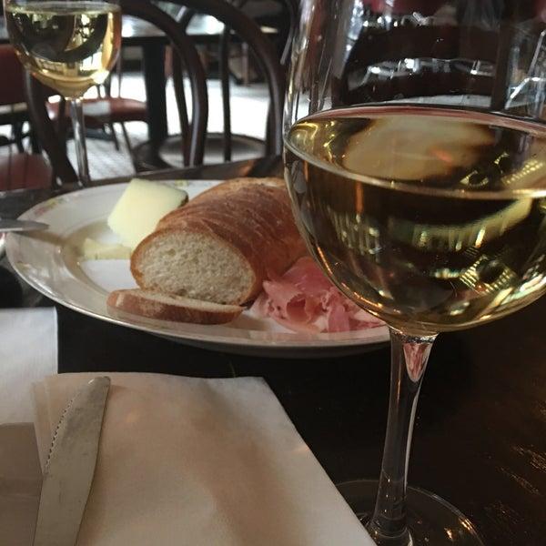 รูปภาพถ่ายที่ Pinkerton Wine Bar โดย Baptiste P. เมื่อ 4/1/2017