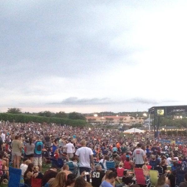 Foto tomada en Coral Sky Amphitheatre por Schuyler T. el 7/21/2013