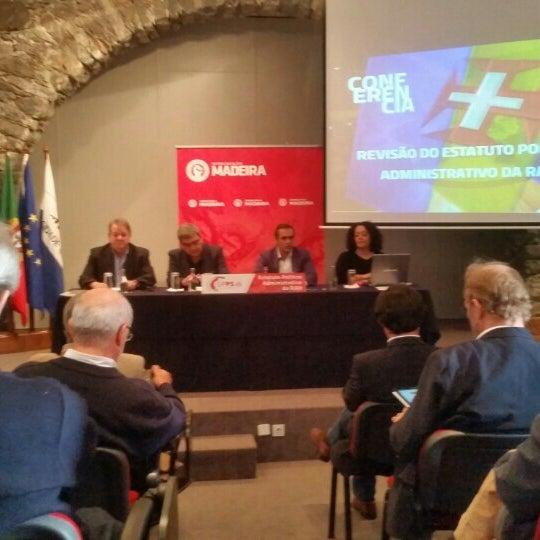 Foto diambil di Colégio dos Jesuítas do Funchal oleh Miguel G. pada 12/12/2015