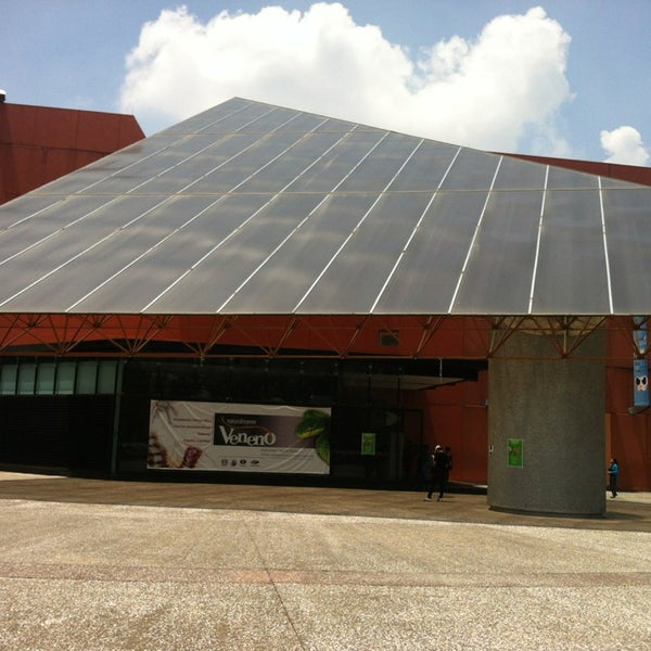 รูปภาพถ่ายที่ Universum, Museo de las Ciencias โดย Aaron Z. เมื่อ 7/14/2013