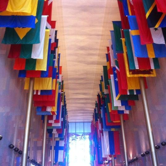 1/5/2013 tarihinde Kristina S.ziyaretçi tarafından The John F. Kennedy Center for the Performing Arts'de çekilen fotoğraf