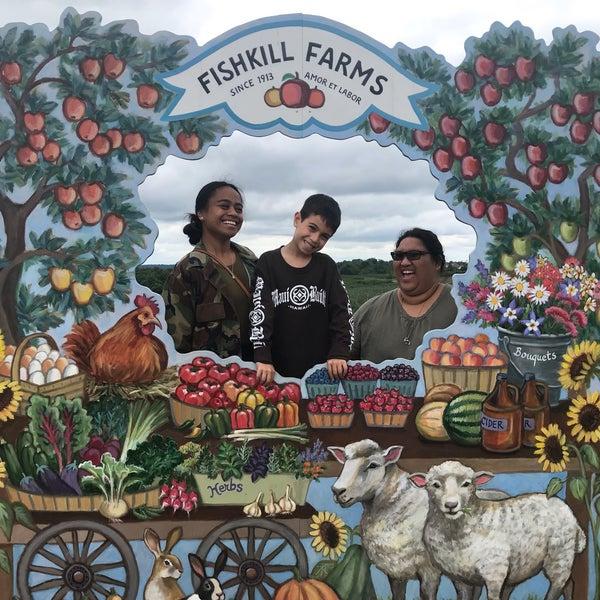 รูปภาพถ่ายที่ Fishkill Farms โดย Kelani C. เมื่อ 6/19/2019