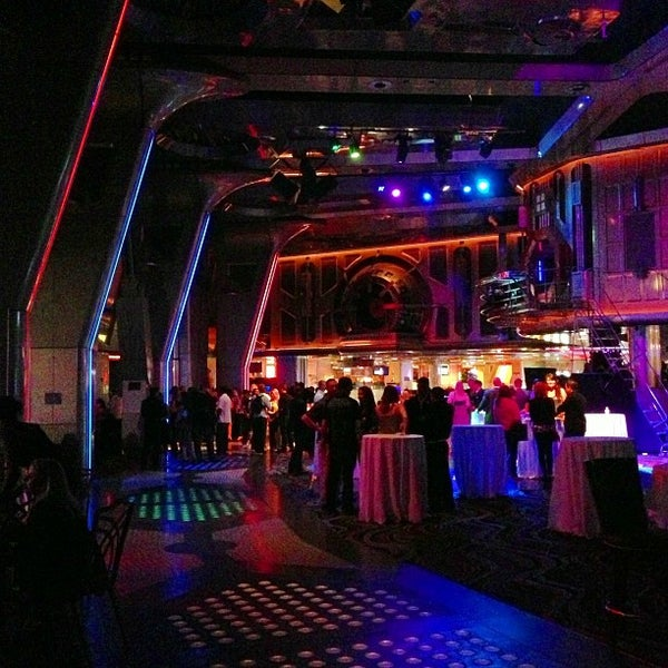 Foto diambil di LVH - Las Vegas Hotel & Casino oleh Casey M. pada 4/19/2013