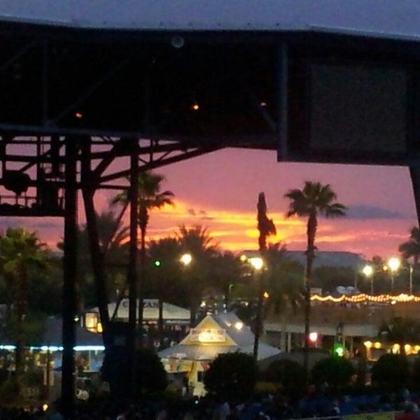 Foto tomada en Coral Sky Amphitheatre por Ilia B. el 6/27/2013