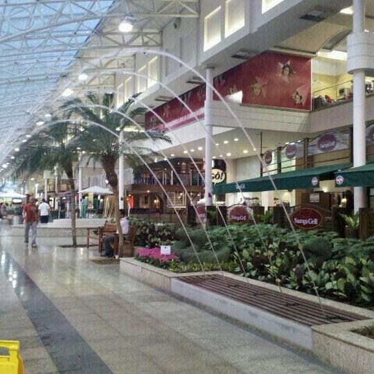 9/19/2012 tarihinde Leilane Da Paixão L.ziyaretçi tarafından Shopping Estação'de çekilen fotoğraf