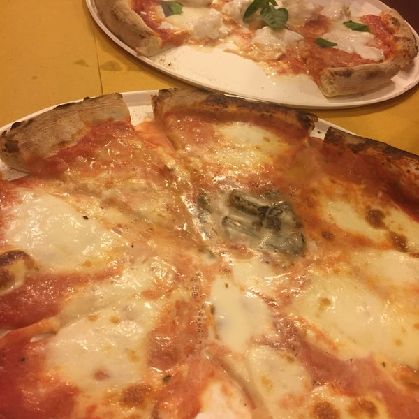 Photo taken at I' Pizzacchiere by Peter E. on 10/4/2016