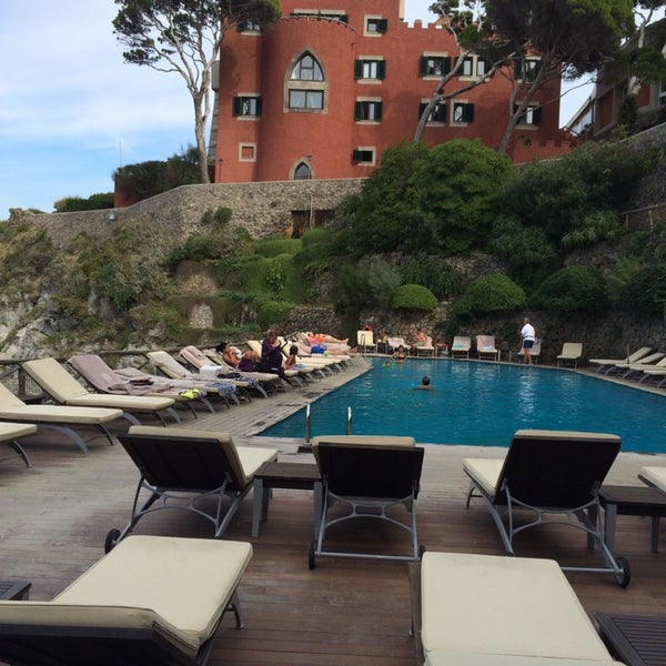 Foto diambil di Mezzatorre Resort & Spa oleh Elena A. pada 10/5/2014
