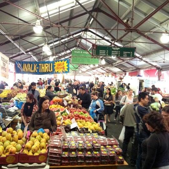 Foto diambil di Queen Victoria Market oleh Julian S. pada 10/20/2012