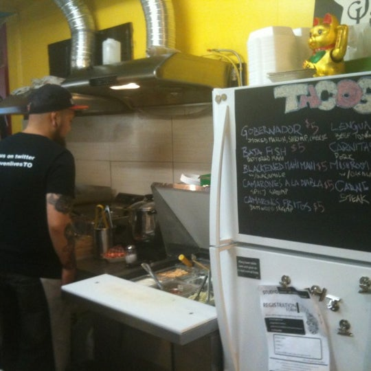 Photo prise au Seven Lives - Tacos y Mariscos par Jason K. le11/1/2012