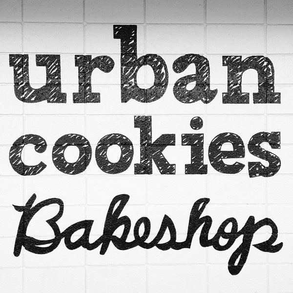 Снимок сделан в Urban Cookies Bakeshop пользователем Denisse L. 10/22/2013