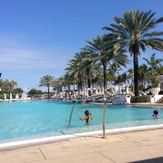 Das Foto wurde bei Fontainebleau Miami Beach von Dawn M. am 1/29/2013 aufgenommen