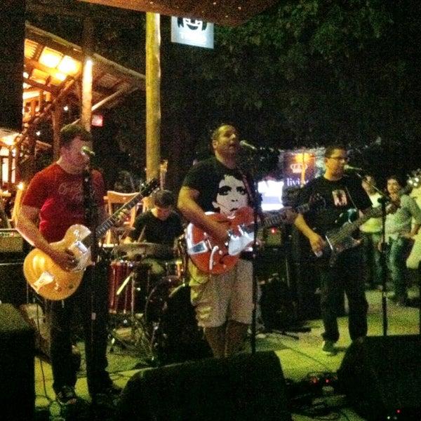 Foto diambil di Velvet36 Rock'n Roll Bar oleh Marco Túlio O. pada 5/16/2013