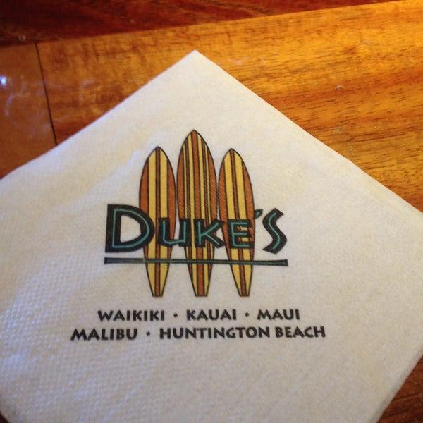 5/10/2013에 Elise W.님이 Duke's Waikiki에서 찍은 사진
