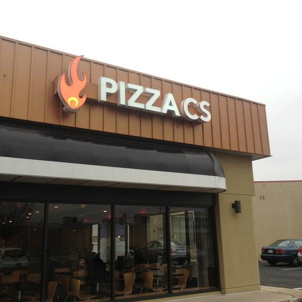 Снимок сделан в Pizza CS пользователем Neville E. 1/11/2013