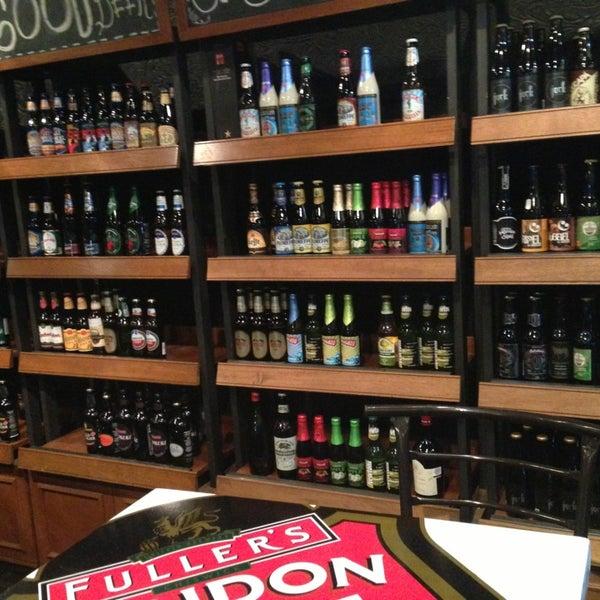 Foto tirada no(a) The Beer Box por Juan P. em 6/23/2013