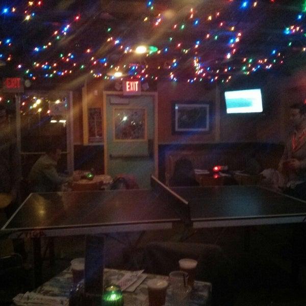 Foto diambil di Lucy's Retired Surfers Bar and Restaurant oleh Blake B. pada 3/12/2013