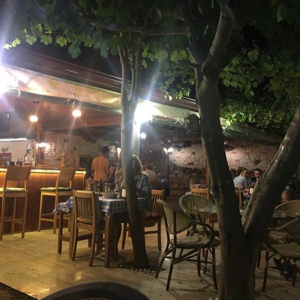 Das Foto wurde bei La Vie Sığacık von Selmin C. am 9/1/2017 aufgenommen