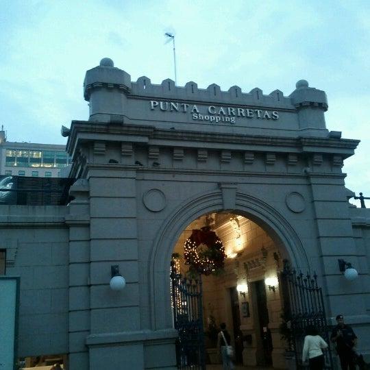 Foto tirada no(a) Punta Carretas Shopping por Nicolas A. em 10/28/2012