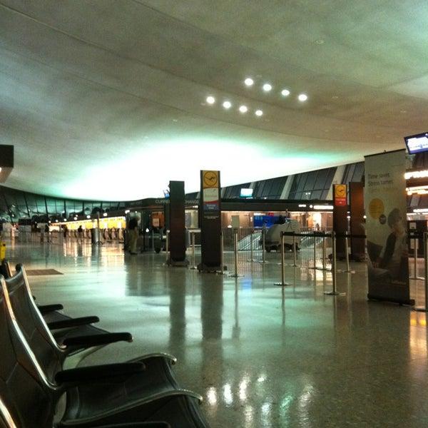 Снимок сделан в Вашингтонский аэропорт имени Даллеса (IAD) пользователем Saiful S. 7/3/2013