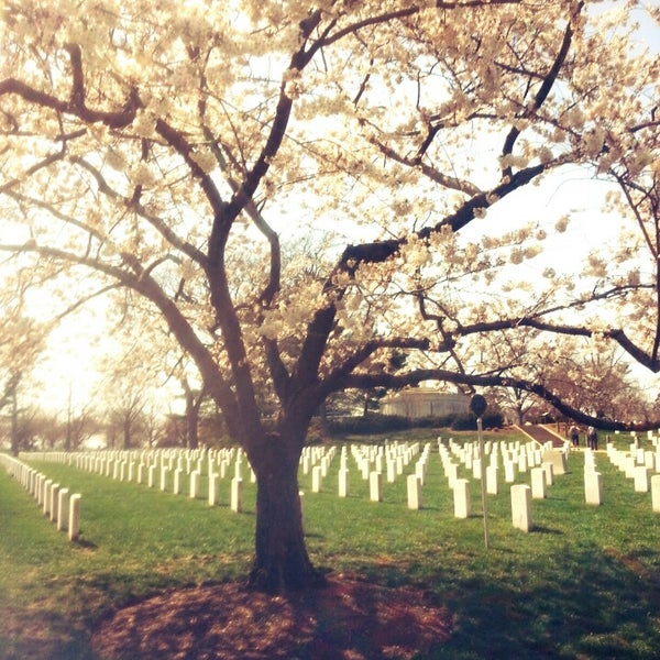 Photo prise au Arlington National Cemetery par Mari A. le6/16/2013