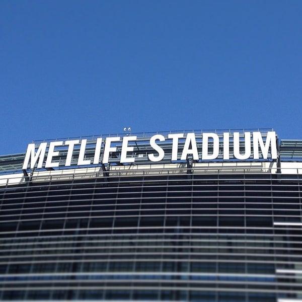 รูปภาพถ่ายที่ MetLife Stadium โดย John J. เมื่อ 4/25/2013