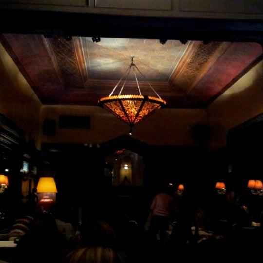 รูปภาพถ่ายที่ Zihni Bar โดย Estelle B. เมื่อ 10/12/2012