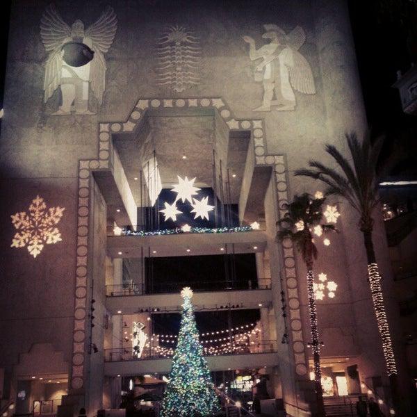รูปภาพถ่ายที่ Hollywood & Highland Center โดย V เมื่อ 12/22/2012
