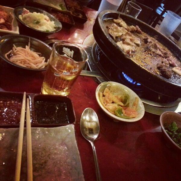 Foto scattata a Hae Jang Chon Korean BBQ Restaurant da V il 11/17/2012