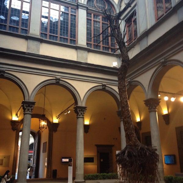 Photo prise au Palazzo Strozzi par Dina M. le5/24/2013