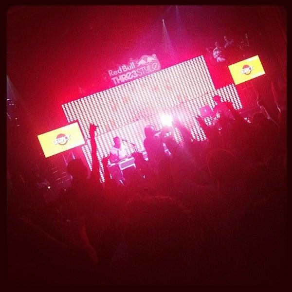Photo prise au Opera Nightclub par Jess H. le1/12/2013